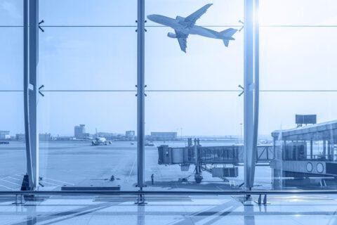 Automaty vendingowe na dworcach i lotniskach. Co w nich znajdziemy?